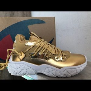 Champion Tank Chunky Gold Sneakers CP100275W 7.5